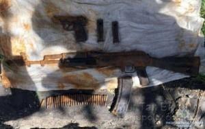 Мариуполь автомат боевик 24.04.18